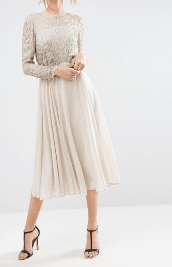 Vestido midi color perla con falda plisada