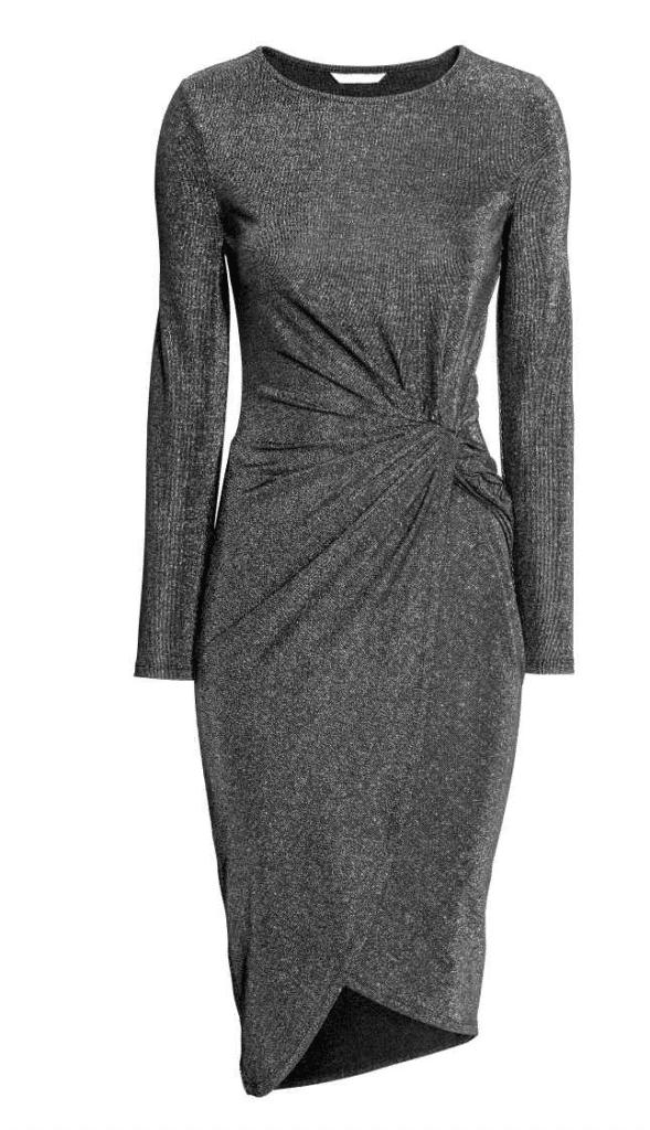 Vestido gris drapeado de H&M