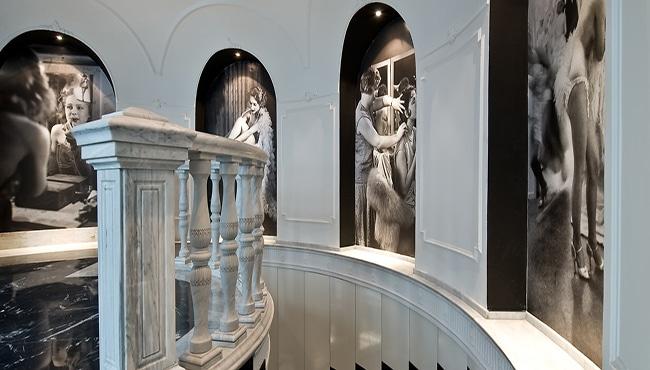 Escaleras del Hotel Vincci 66 de Madrid