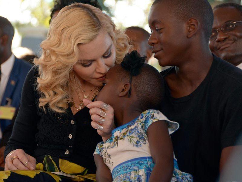 madonna-hijos-malawi-babu-magazine Foto:gtres
