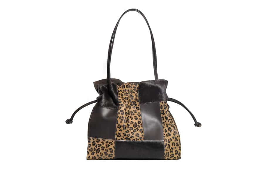 Bolso patchwork con detalles de leopardo de dayaday.