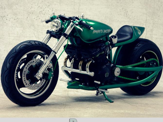 Magnifico modelo de moto de construcción