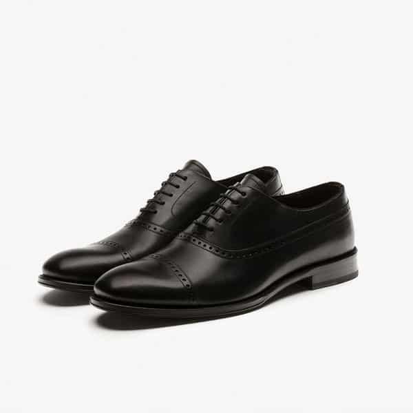 Zapatos cordone negors de Massimo Dutti