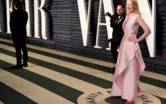 La actriz Patricia Clarkson llegando a la fiesta post Oscar