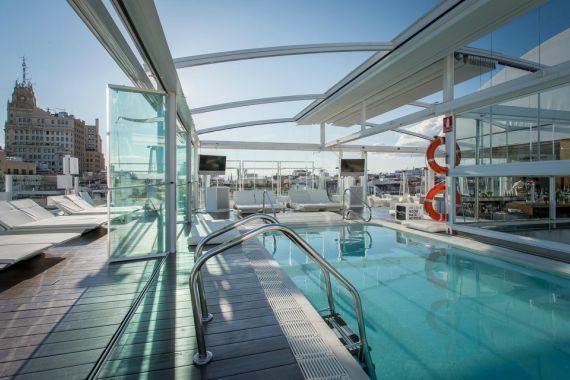 piscina de hotel en el centro de Madrid
