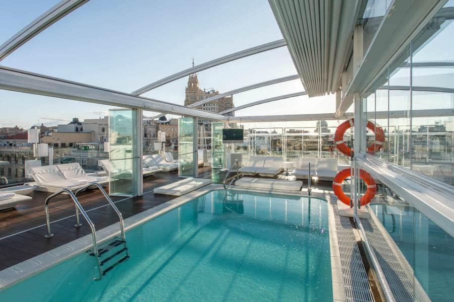 Cuanto cuesta ir a una piscina de hotel en el centro de for Cuanto vale una piscina