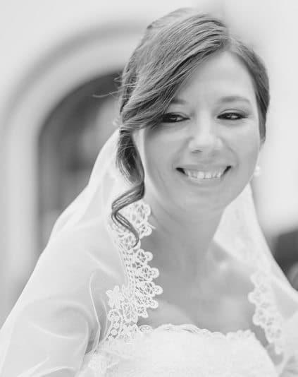 Diana es apasionada de las bodas, oficiante de bodas bilingües, emprendedora