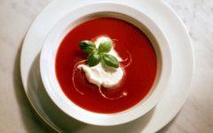 Sopa Fría de Tomate con Albahaca. Foto:gtres