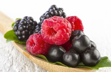 frutos rojos para combatir ojera