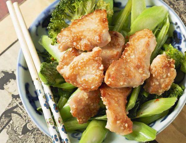 Pollo con brécol al estilo chino. Foto.gtres