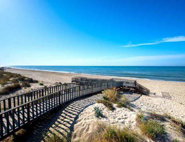 playa islantilla verano