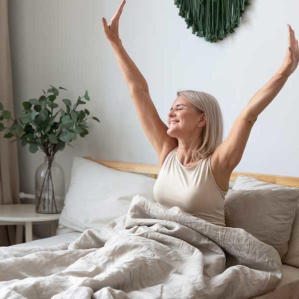 rutina belleza basica para mujeres de más de 50