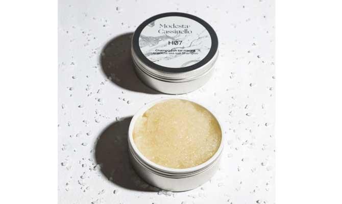 """""""H07 Champú con Sal Marina"""" de Modesta Cassinello un tratamiento semanal con ingredientes como la sal marina que dejará tu cabello limpio por más tiempo"""