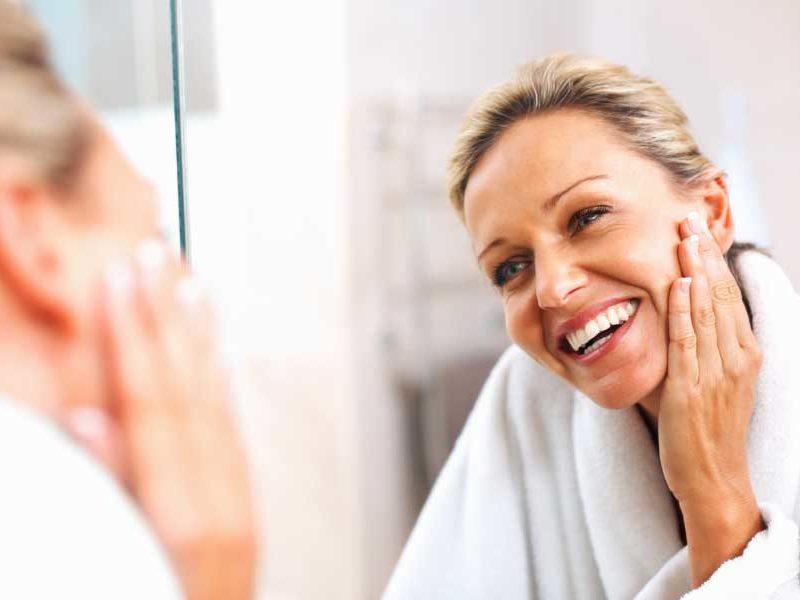 cremas de noche regeneradoras para mujeres de más de 50