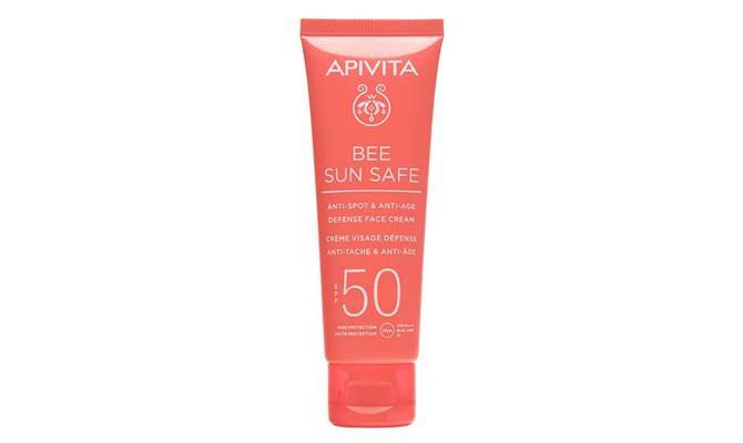 """""""Bee Sun Safe"""" Crema facial antiedad y antimanchas SPF50 de Apivita"""