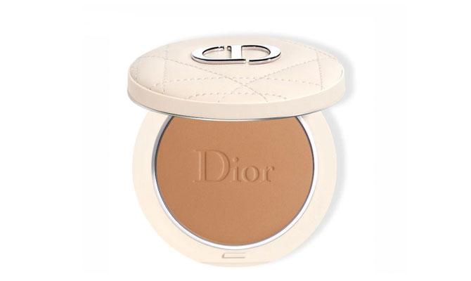 """""""Polvos bronceadores Dior Forever Natural Bronze"""" de Dior están formulados con un 95 % de pigmentos de origen mineral"""