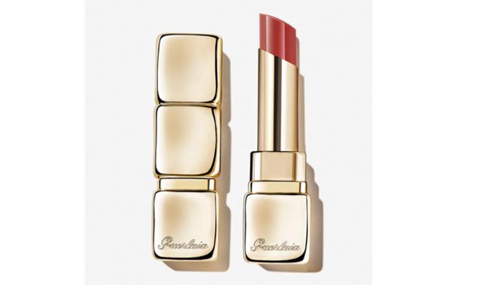 """KissKiss Shie Bloom"" de Guerlain barra de labios que puedes usar como si fuera colorete en barra"