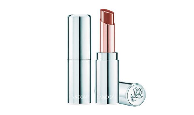 """""""L' Absolu Mademoiselle Balm"""" de Lancôme potencia el color del labio y le da volumen de forma instantánea"""